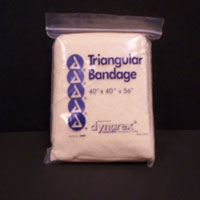 40inx40inx56in Triangular sling-bandage with 2 safety pins